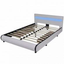 """PU bőr ágy 140x200 cm """"V11"""" LED világítással, ágyneműtartóval, fehér színben"""