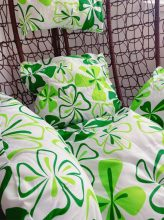 Zöld virágmintás párna egyszemélyes függőfotelhez